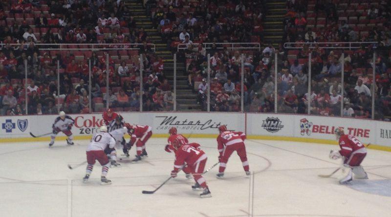 Face-off_between_the_Detroit_Red_Wings_and_the_Ottawa_Senators_at_Joe_Louis_Arena_October_2013